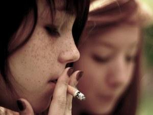 Всяка трета 15-годишна девойка у нас пуши