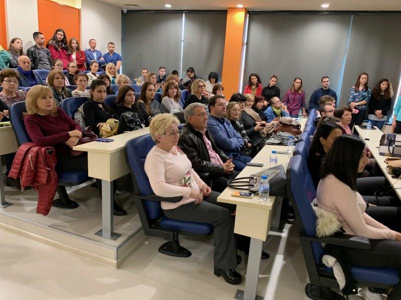 Преподаватели от МУ-Пловдив призоваха за разумна употреба на антибиотици ВИДЕО