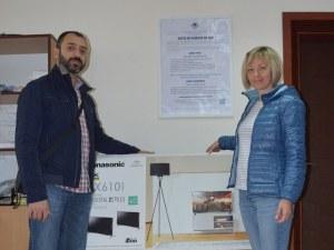 Пловдивчанка спечели голям телевизор с една касова бележка за 10,80 лева