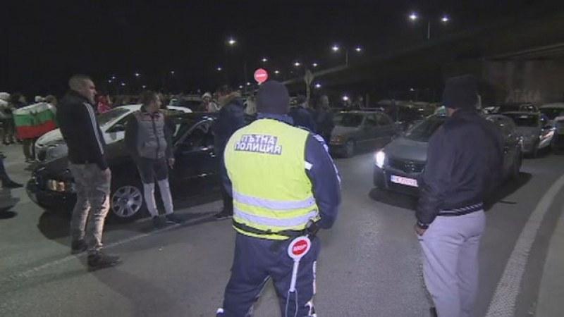 Протестиращ: Нормално ли е да взимам 550 лева заплата като шофьор на линейка?