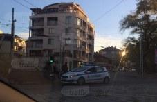 Челен сблъсък между две коли затапи кръстовище в Кючука СНИМКИ