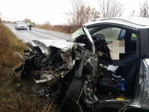 Автомобилите от челния сблъсък със смъртен случай край Пловдив са смазани СНИМКИ