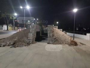 Какво изграждат на брега на Марица? СНИМКИ