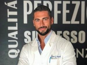 Пациентки, затаете дъх: Ето го най-секси ортопеда! Заслужава си да отидете до Италия СНИМКИ