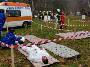 Зрелище: самолет пада и избухва в огън! Тестови екшън беше овладян от 150 души край Стара Загора СНИМКИ