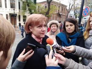 Менда Стоянова обясни в Пловдив защо се увеличава данъкът на старите коли