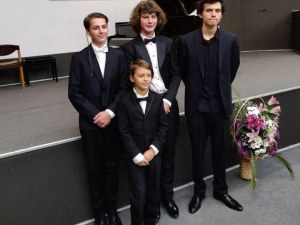 Млади пловдивски пианисти предизвикаха фурор на международен конкурс