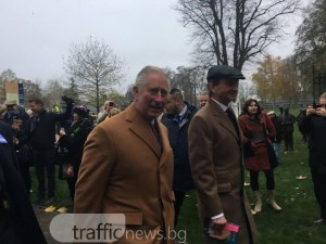 Принц Чарлз отпразнува 70-ия си рожден ден на Аскот, откри бронзова статуя на кон СНИМКИ