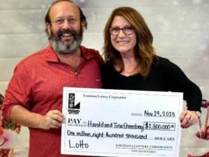 Семейство откри лотариен билет докато чисти, спечелиха близо два милиона