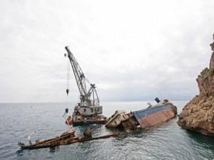 Руски кораб удари украински влекач ВИДЕО