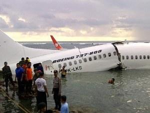 Катастрофиралият край Индонезия Боинг не е трябвало да лети