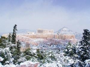 Гърция е парализирана от снежни виелици
