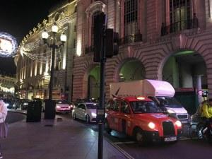 Лондон в навечерието на Коледа : Фантазии от светлина СНИМКИ