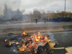 """Българи блокирани на изхода """"Ламанша"""" СНИМКИ"""