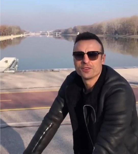 Бербатов се разходи с велосипед на Гребната база в Пловдив ВИДЕО