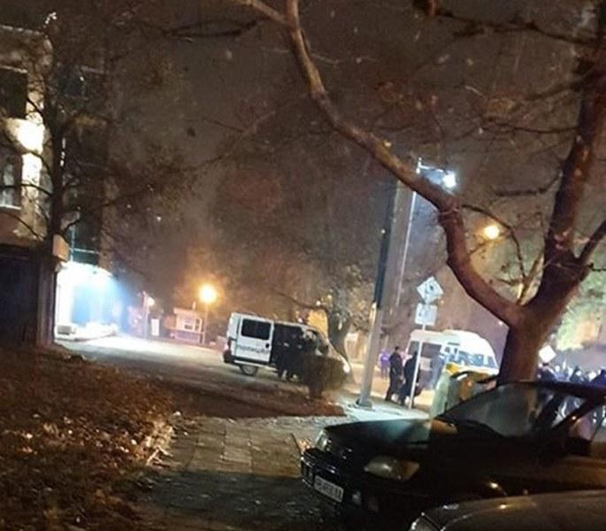 Масови арести на ултраси на Ботев и Локо след меле в Смирненски