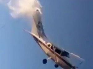 Самолет се разби в къща в Мексико, четирима са загинали