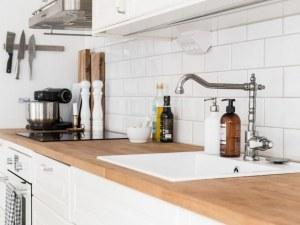 Практични идеи за кухни с малък плот СНИМКИ