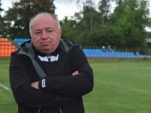 Локо освободи спортния си директор, но го остави на Лаута