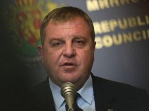 Каракачанов: В Скопие трябва да престанат да фалшифицират историята