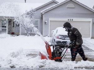 Снежни бури блокираха югоизточните райони на САЩ