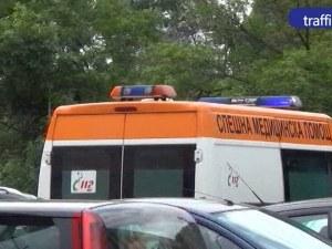24-годишна шофьорка се заби в стълб в Пловдив! В болница е, 19-годишен пътник също