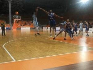 Честват баскетболен доайен на мача на Академик Бултекс 99 в сряда