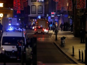 Втора жертва на стрелбата в Страсбург, чуват се нови изстрели