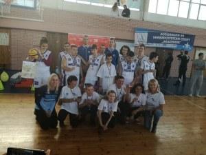 Специалният отбор на Академик Бултекс 99 показва умения днес в Колодрума