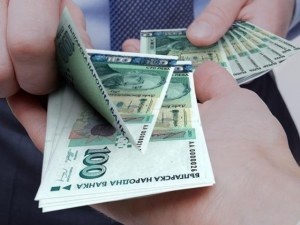 Вижте уловките при бързите кредити