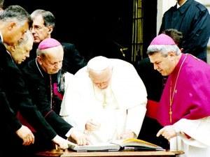 Папската визита преди 17 години: Снайперсти по покривите и сух режим в Пловдив