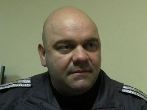 Шефът на КАТ-Казанлък продължава да бъде издирван, липсва и оръжието му