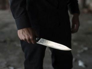 Три жени са нападнати с нож, две от тях се борят за живота си