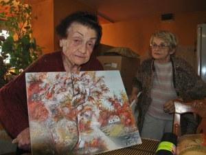 Баба Костадинка се нанесе в новия си дом, след като продадоха къщата й ВИДЕО