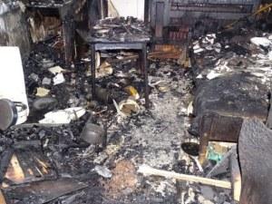 75-годишен мъж е с тежки изгаряния след пожар в дома му