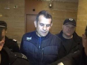 Бившият рейнджър Каменов в съда: Каменно изражение и иронични подмятания ВИДЕО