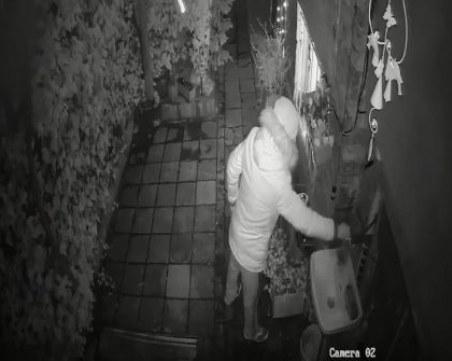 Злосторник от Пловдив разби кранче на чешма в чужд имот и си тръгна най-безцеремонно ВИДЕО