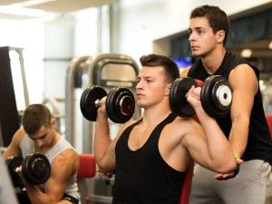 Близо 90% от българските мъже до 24-годишна възраст живеят с мама и татко