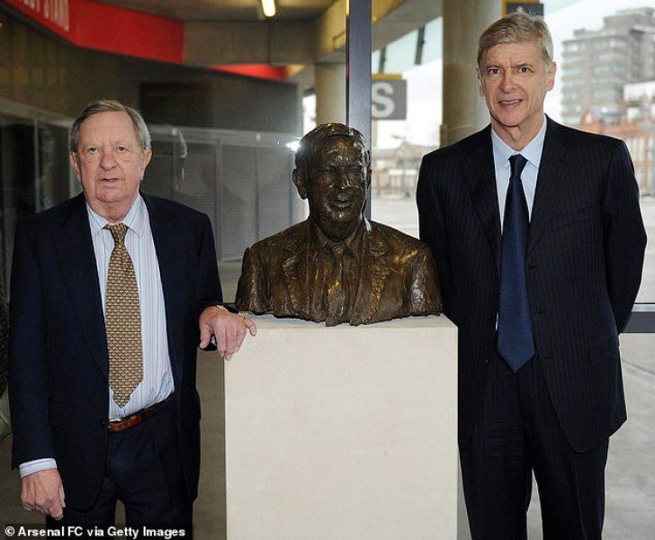Почина човекът, превърнал Арсенал в страшилище