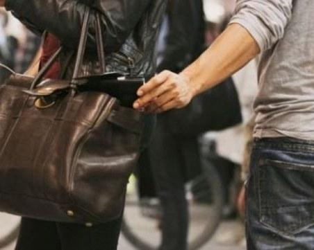 Джебчиите обират с нова схема в големите магазини
