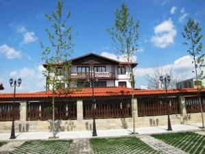 Съседи на бизнесмена, скочил от хотел в Асеновград, спрягат три версии за трагедията
