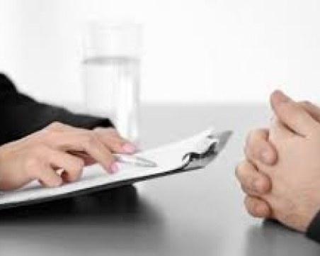 Фирми, наемали без трудов договор, нямат право 3 години да получават обществени поръчки