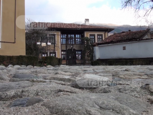 "Посетихте ли уникалния туристически комплекс ""Старинно Карлово""? Само на 60 км от Пловдив е ВИДЕО"