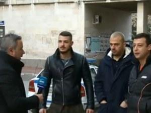 Пуснаха от ареста младежите, снимали клип с калашници в Асеновград
