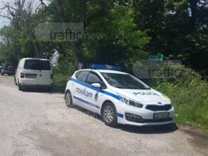 Шофьор си спретна гонка с полицията край Пловдив, седна на пасажерското място и отказа дрегер