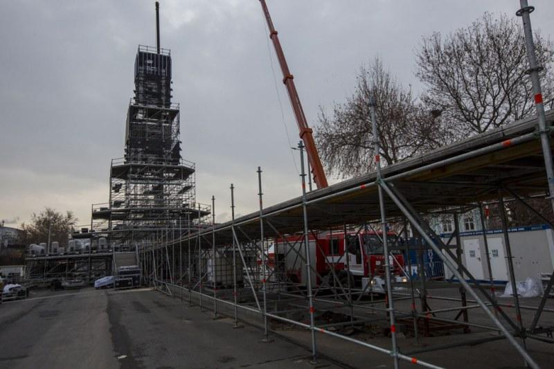 Величествена кула се издига в сърцето на Пловдив, тръпне в очакване за грандиозното откриване СНИМКИ