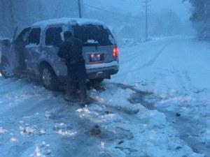 Армията се включи в борбата със снежната стихия в Гърция