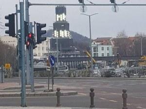 Монтираха прожекторите на Кулата, световни медийни гиганти идват за откриването