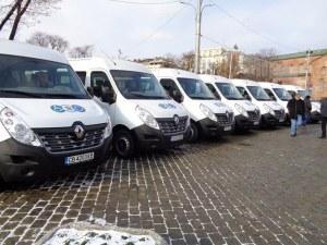Нови микробуси за трудноподвижни хора тръгват в София СНИМКИ