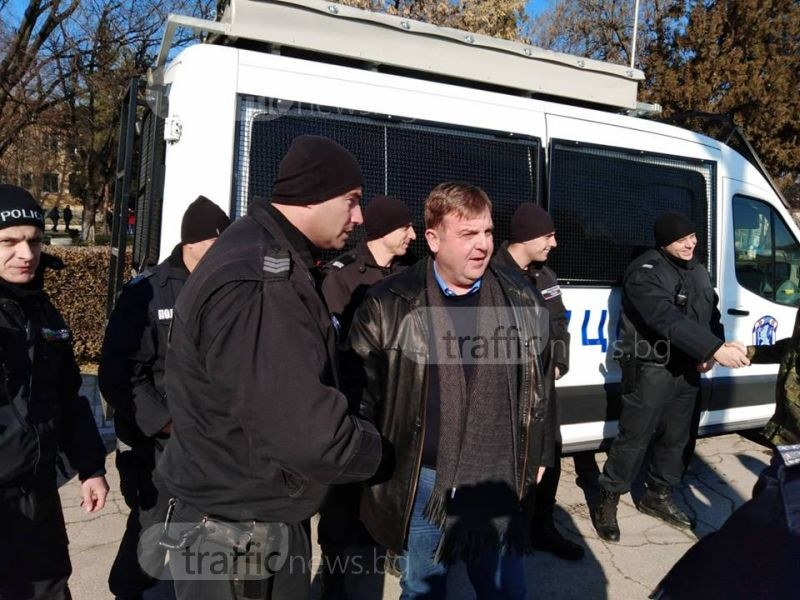 Каракачанов: Циганите в България станаха изключително нагли! Търпението на общество се изчерпа СНИМКИ+ВИДЕО
